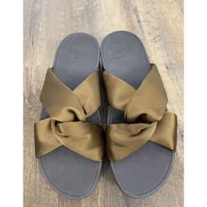 New Fit Flop Bronze Piper Satin Slide Sandals